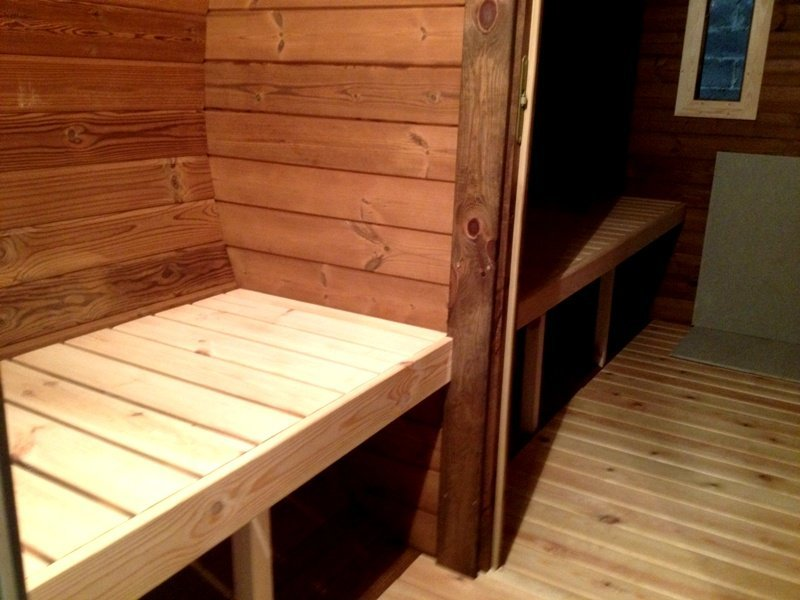 4.8m Pine Barrel Sauna with Changing Room
