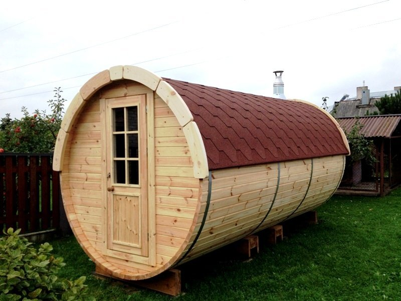 4.8m Wooden Barrel Sauna with Changing Room