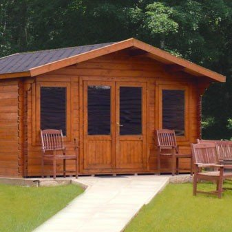 Hardcastle Garden Log Cabin