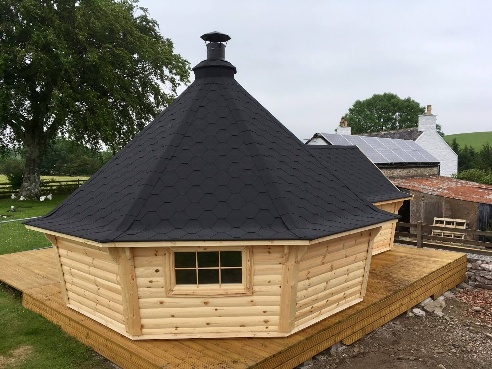 17m Sloping Wall Grill Cabin with Extension