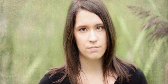 Alicia Deschênes:L'illumination qui embrase