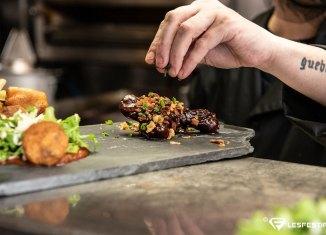 Maintenant trois façons de déguster les plats du Côtes-à-Côtes Resto & Traiteur