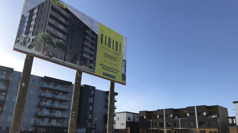 Pancarte du projet de condos Le Viridi
