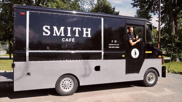 Jérôme Turgeon, propriétaire de la Maison Smith, à bord de la Smith Mobile.