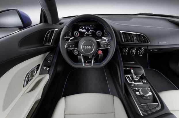 Audi R8 V10 cabin