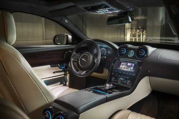 Jaguar XJ cabin