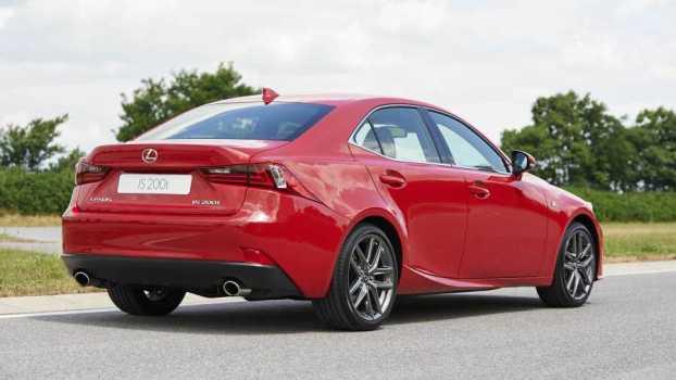 Lexus IS 200t rear