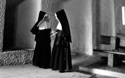 Le Corbusier Charles-Edouard Jeanneret, mencionado por dos monjas