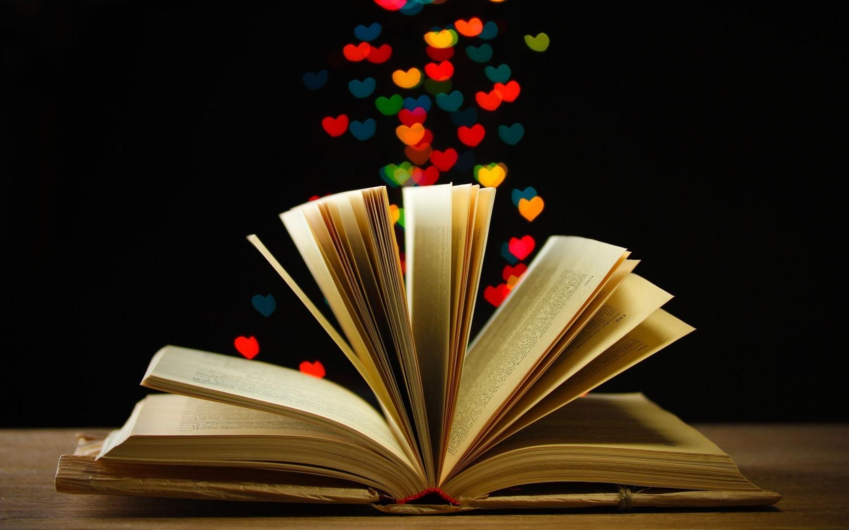 Cinque libri con protagonisti asessuali