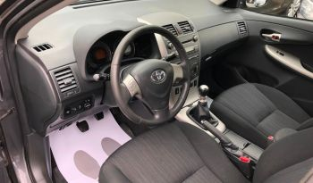 Toyota Corolla 2011 full