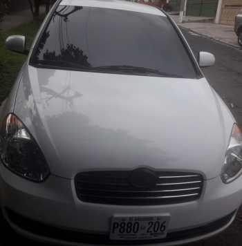 Hyundai Accent 2011 precio US$ 4350 precio negociable. Millas: 103,418 Color: Blanco Motor: 1.6L Trasmisión: Automática Aire acondicionado: 100%