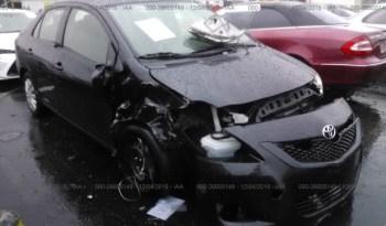 Toyota Yaris 2012 full