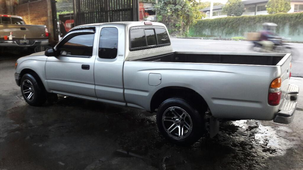 toyota tacoma 4x2 carros en venta san salvador el salvador. Black Bedroom Furniture Sets. Home Design Ideas