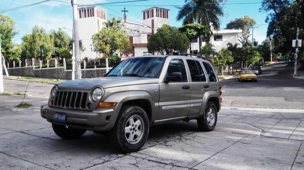Hermosa Jeep Liberty Full Extras 4x4 La Mejor Opcion Al