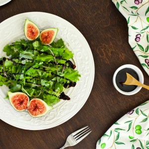 Baby Kale and Arugula Fig Salad with Balsamic Glaze