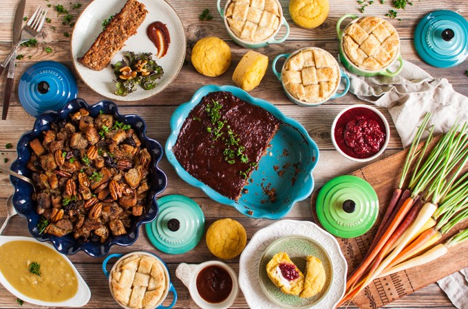 The ULTIMATE Vegan Thanksgiving Feast! 10 AMAZING recipes the whole family will love. Plant-based & mostly gluten-free holiday recipes