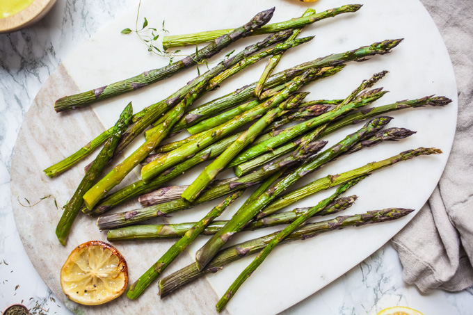 Roasted Asparagus with CREAMY Vegan Hollandaise - The perfect easy side dish recipe - Gluten-free - Paleo - Healthy - Ready in 20 Minutes!