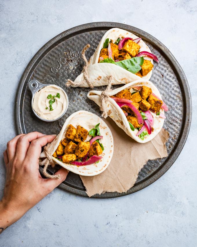 EASY vegan 'chicken' shawarma! Simple ingredients, BIG flavor, and takes less than 15 minutes! #vegan #shawarma #plantbased #recipe