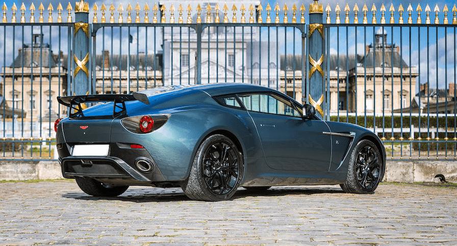 Aston Martin V12 Zagato Coupé (9)