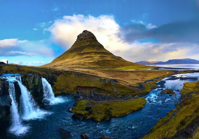 Kirkjufell in Iceland - Photo by Carry-On Traveler