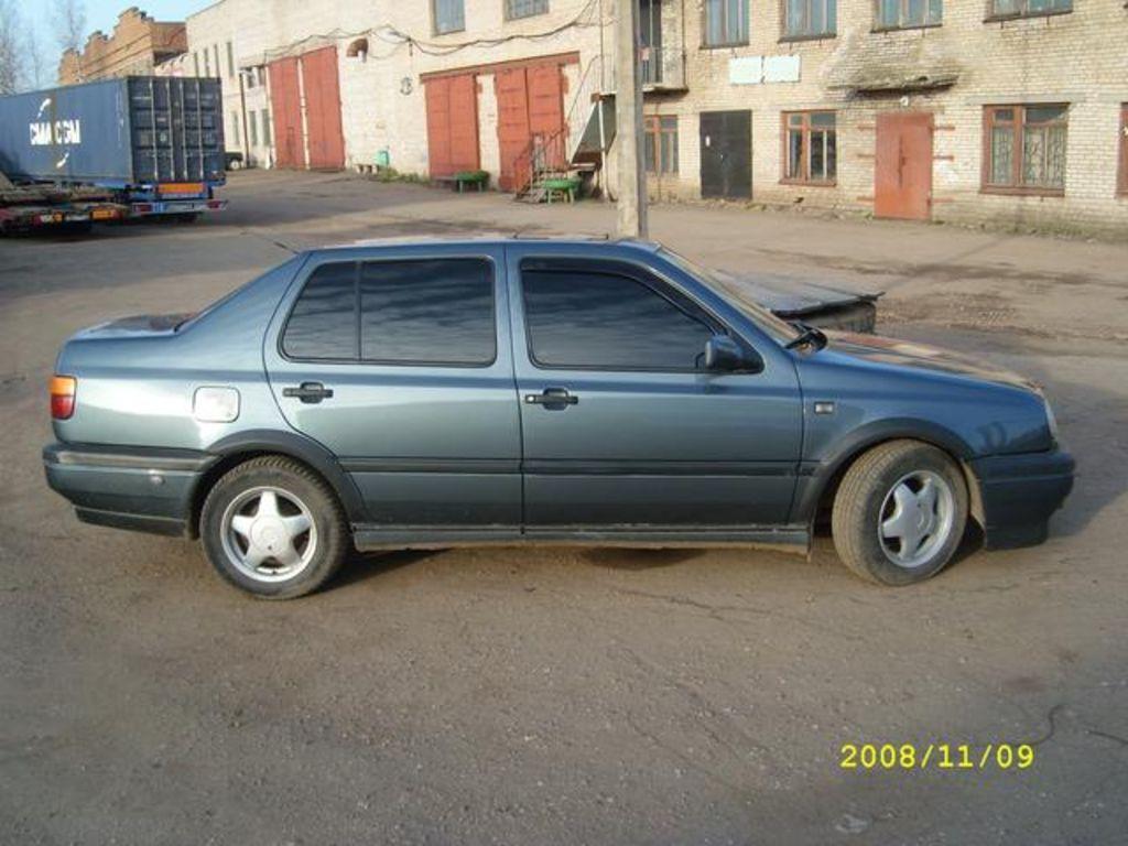 1995 Volkswagen Vento Pictures