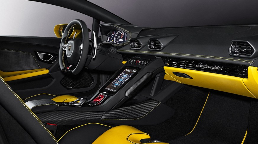 New Lamborghini Huracan EVO RWD Brings Back The Driving ...