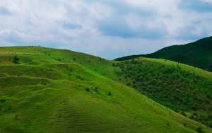 1604-green-hill-2880x1800-nature-wallpaper