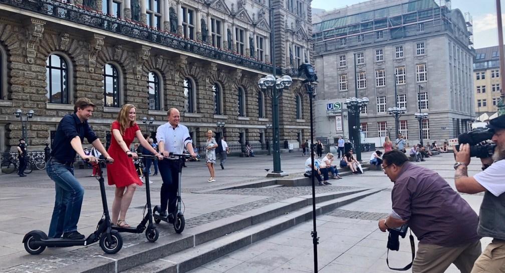 Elektromobilität auf die Straße bringen image