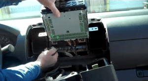 How to replace a 20052010 NISSAN PATHFINDER car stereo with a HD 1024*600 Multitouch Screen