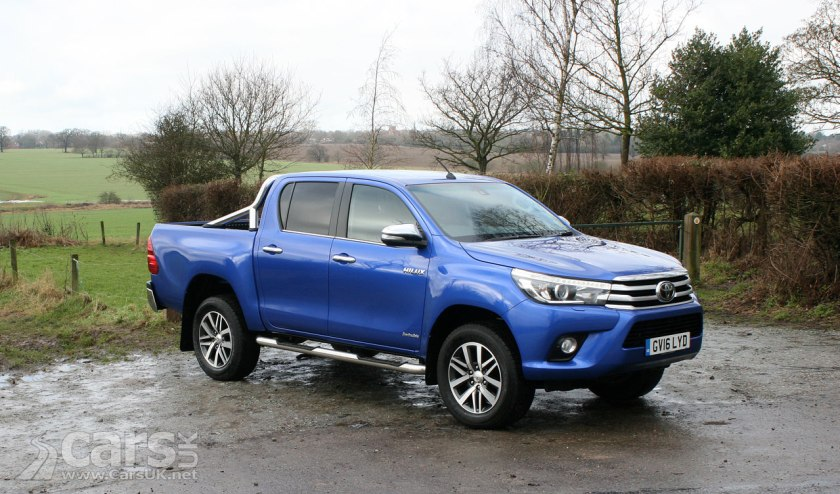 Toyota Hilux Invincible D/C Review (2017) | Cars UK