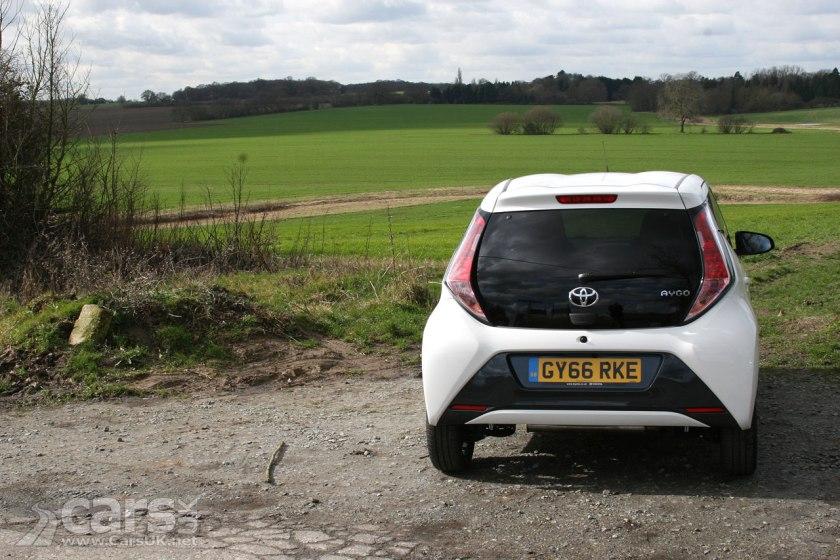 Photo 2017 Toyota Aygo X-Style Rear View