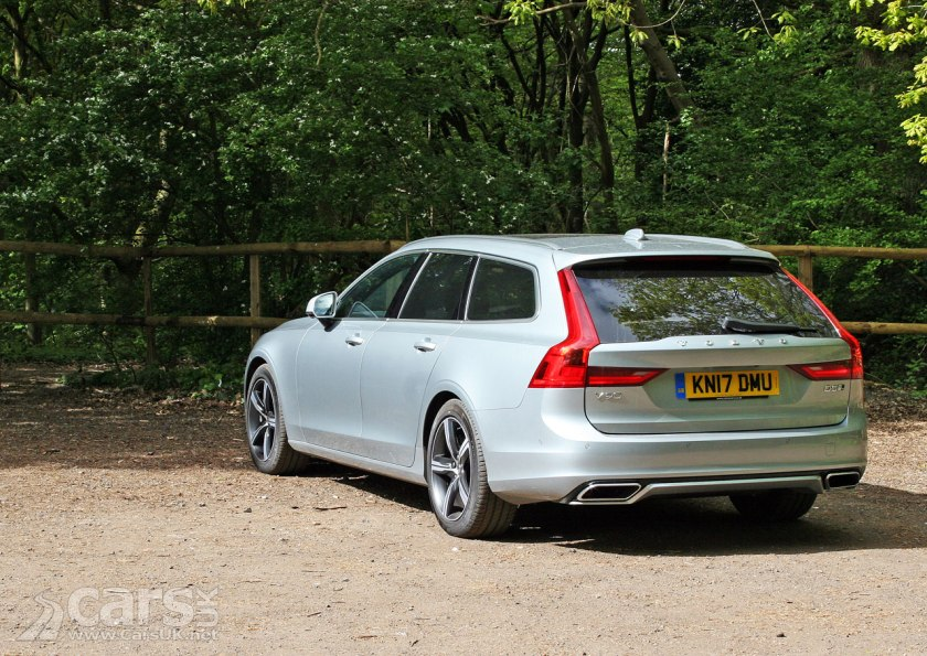 Photo 2017 Volvo V90 D5 R-Design Rear View