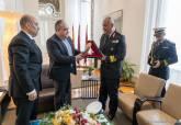 Visita comandante Portahelicópteros Armada egipcia al Palacio Consistorial