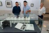 Inauguración de la exposición 'Álbum familiar, reticencias y memoria', de Javier Cruzado