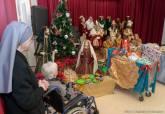 Visita de los Reyes Magos al Asilo de Ancianos