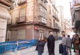 Visita de técnicos de la dirección general de Cultura con técnicos municipales de Urbanismo al edificio derrumbado en la calle Cuatro Santos