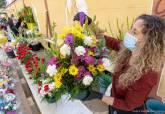 Mercadillo de flores de Todos los Santos en el paseo Alfonso XIII