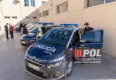 Juan Pedro Torralba presenta los nuevos coches de la Policía Local.
