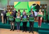 Noelia Arroyo ha recogido la Bandera Verde que distingue a Cartagena por el reciclaje de vidrio
