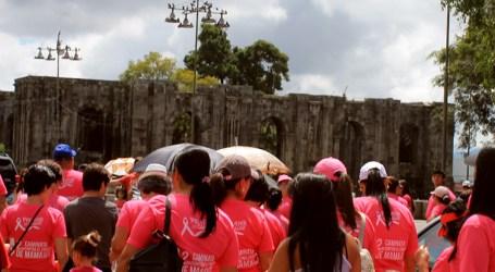 Caminata contra el cáncer de mama este domingo