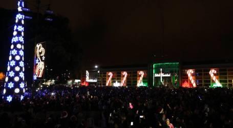 La luz de la navidad ya ilumina la Plaza Mayor