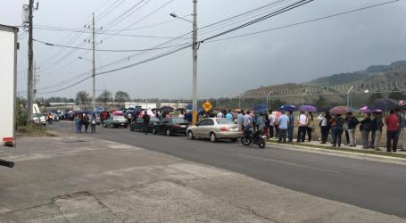 (VIDEO) Fila 1.5 KM para entregar currículo en la Feria de Empleo de la Lima
