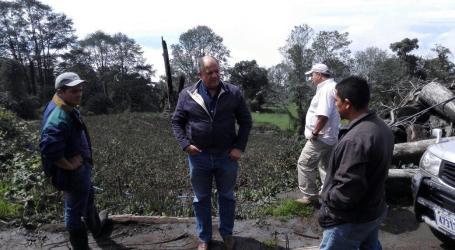 Situación del sector agropecuario en el Volcán Turrialba es constatada por Presidente Solís