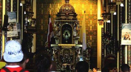 Celebre a la Virgen de los Ángeles