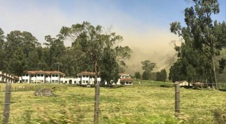 Fuertes vientos provocan nube de polvo en la zona norte de Cartago