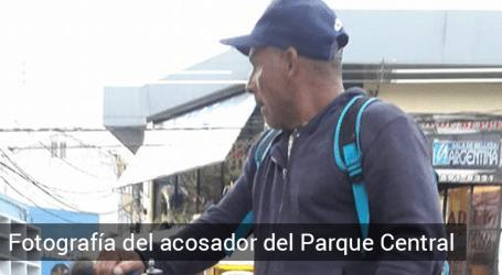 Acosador enseña genitales a mujeres en la Plaza Mayor de Cartago