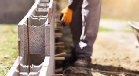 Empresa busca personal para trabajo de construcción