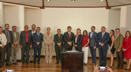 4 Municipalidades de Cartago suscriben convenio para desarrollar el tren eléctrico