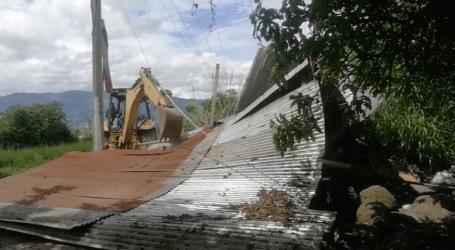 Policía elimina bunker que albergaba 50 consumidores de droga en Los Diques de Cartago