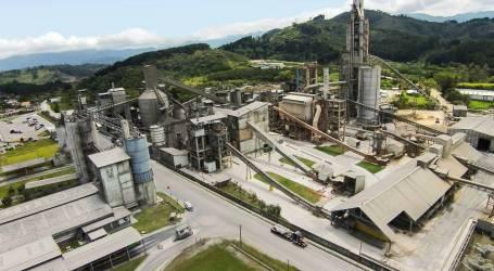 Regidores enfrentan a diputada del PAC por recursos del cemento para alcantarillado de Cartago